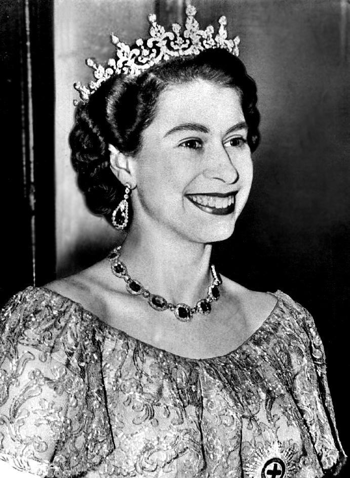 Queen_Elizabeth_II_-_1953-Dress