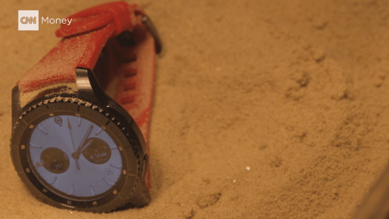 Heat test for the Gear S3 shows it can withstand temperatures of 120-plus degrees.